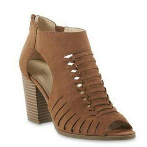 Roebuck & Co Brown Open toe heeled booties